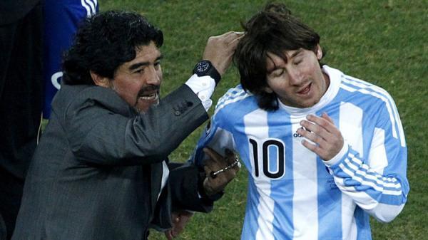 مارادونا يهاجم ميسي ويقول إنه ليس &#34قائدا&#34 للأرجنتين