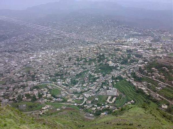 إب: إصابة 4 أشخاص في محاولة اغتيال الشيخ البرعي