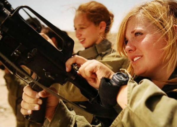 برلمان النرويج يوافق على تجنيد الفتيات والسيدات إجباريًا