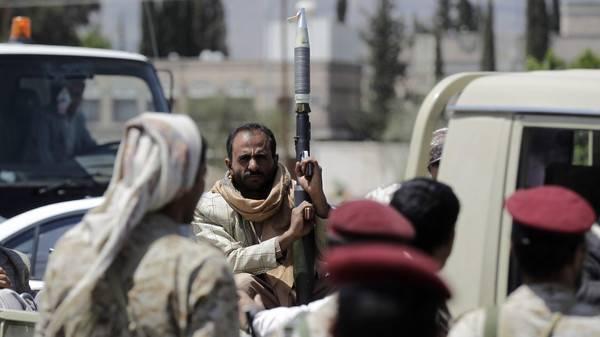 الحوثيون يسيطرون على قلعة &#34الطائف&#34 وكتيبة تابعة لمحسن في الحديدة