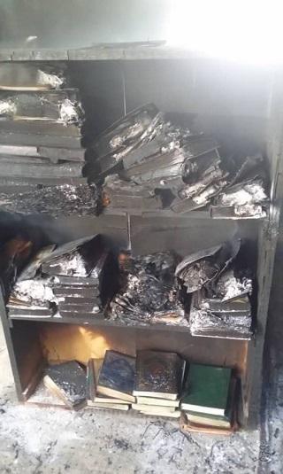 صور- مليشيا الحوثي تحرق مسجداً بذمار
