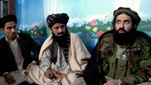 طالبان باكستان تطرد الناطق باسمها و5 من قادتها لمبايعتهم داعش