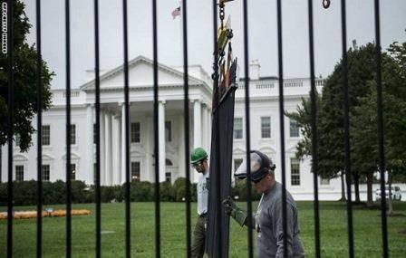 للمرة الثانية خلال شهر..اعتقال أمريكي قفز فوق سور البيت الأبيض