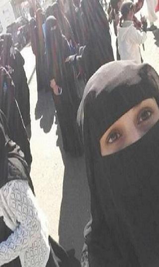 فيديو- مظاهرة نسائية بصنعاء مناهضة لمليشيا الحوثي