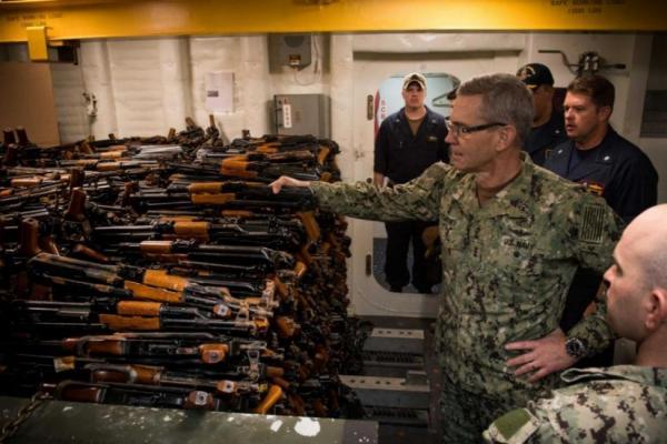 خبراء الأمم المتحدة يفحصون أسلحة إيرانية ضبطتها البحرية الأمريكية كانت متجهة إلى اليمن