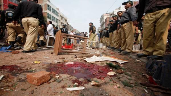 مقتل 52 شخصا بانفجار في مطعم بلاهور غربي باكستان