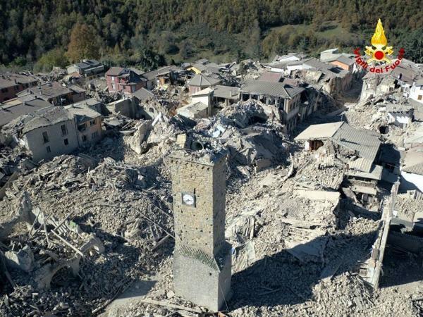 بالصور: أعنف الزلازل تضرب إيطاليا.. &#34قد تستمر لأسابيع&#34