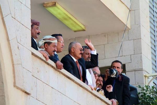ترجمة| الولايات المتحدة تفرض عقوبات على صالح و2 من قيادة &#34الحوثيين&#34
