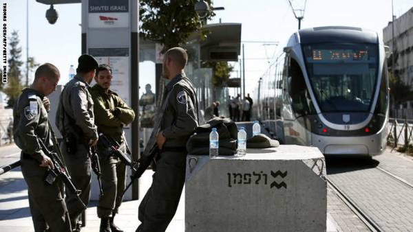 مقتل إسرائيلية وفلسطيني و3 جرحى حصيلة &#34عمليتي طعن&#34 بتل أبيب وبيت لحم
