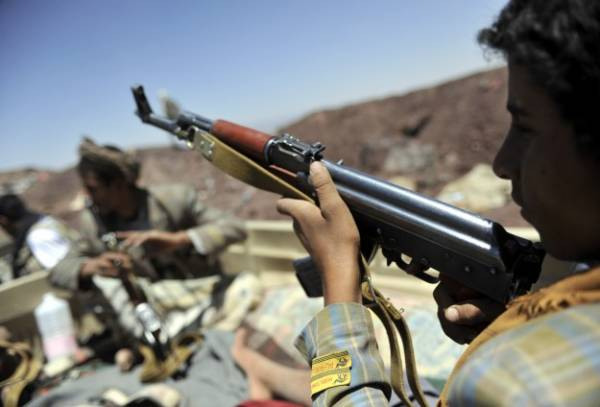 مقتل مواطن وإصابة آخر برصاص مسلحين بالحديدة