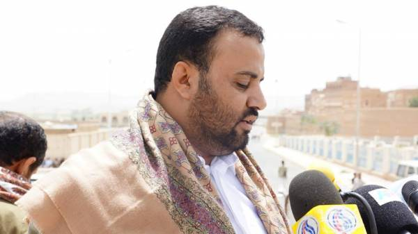 التوعد الحوثي لـ&#34حكومة الستين&#34 يتحول إلى إشادة بشجاعة بحاح ووزرائه