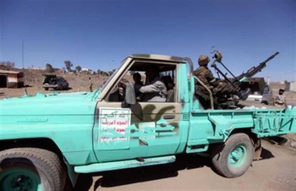 مليشيا الحوثي تعتدي على مواطن وزوجته بحجة بعد اقتحام منزلهما