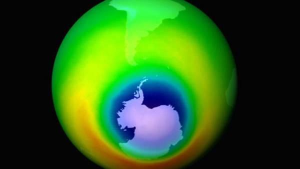 علماء: ثقب الأوزون فوق القارة القطبية الجنوبية اكبر منها