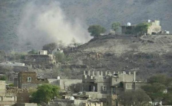 الضالع: الحوثيون يستهدفون بقذائف دبابة أحياء سكنية في شخب غربي قعطبة