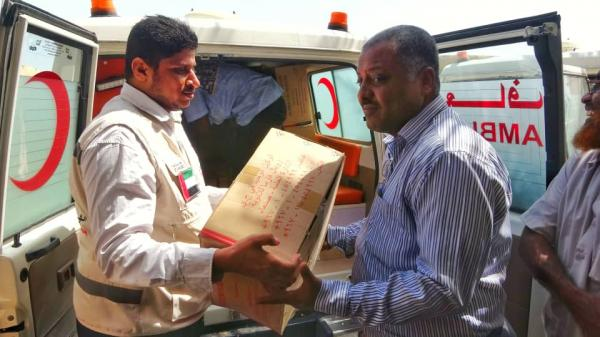 """الإمارات تقدم مساعدات دوائية عاجلة للمستشفيات الميدانية في الحديدة لمواجهة """"الضنك"""""""
