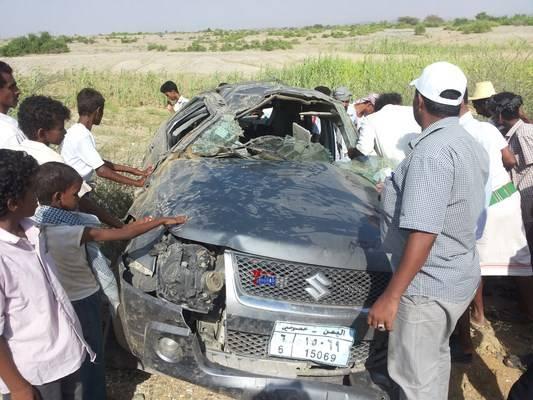 مصرع 4 أشخاص في حادث سير على طريق الحديدة