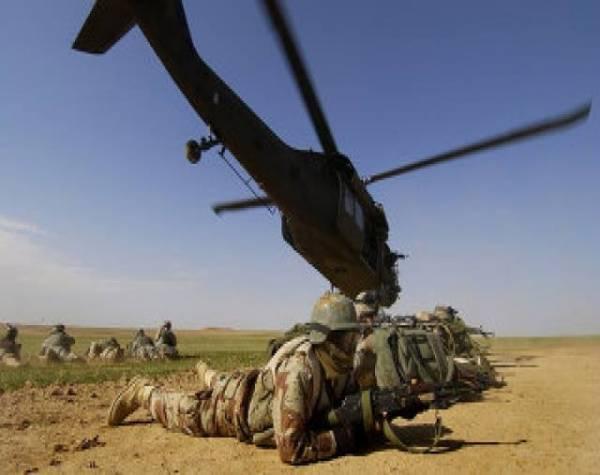 ترجمة| مدرب عسكري أمريكي في قاعدة العند ضمن الرهائن المحررين في اليمن