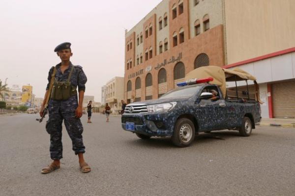 رحلت بعضهم إلى حجة وصنعاء.. مليشيا الحوثي تختطف العشرات من مواطني مدينة الحديدة