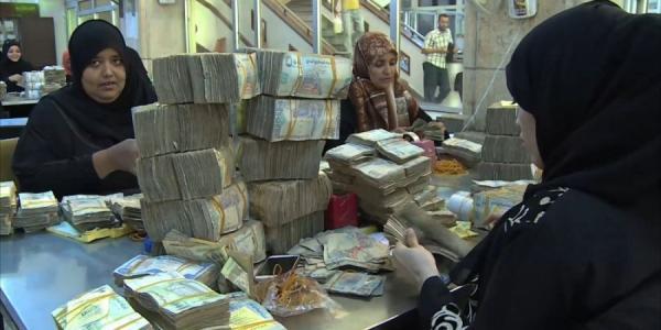 الإرياني: توريد مستحقات 123 ألف متقاعد في عموم الجمهورية