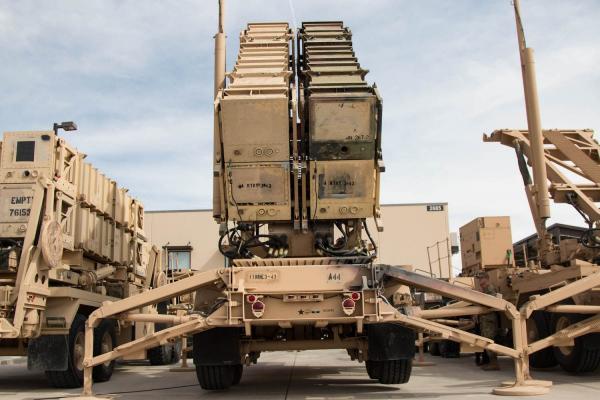 الدفاعات الجوية للتحالف تسقط صاروخاً باليستياً بمأرب
