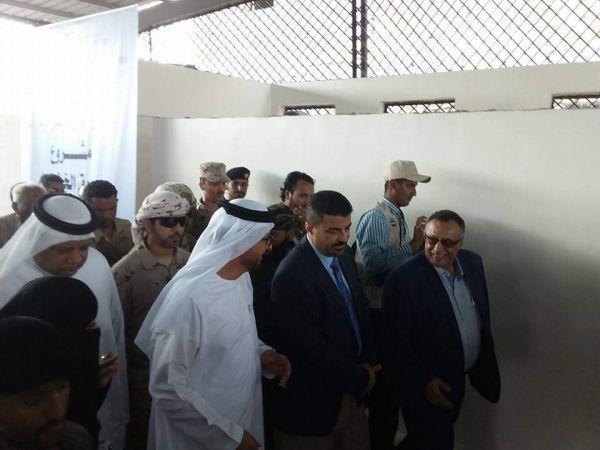 سفير الإمارات يلتقي عدداً من قيادات السلطة المحلية بالمحافظات المحررة في عدن