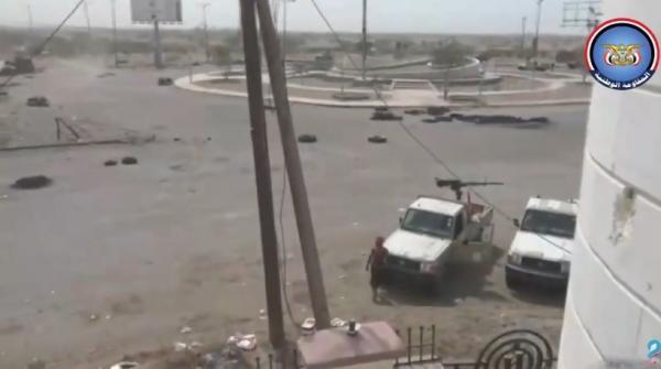 فيديو- المقاومة اليمنية تطهر عدداً من البنايات المطلة على معسكر المنطقة الخامسة في الحديدة