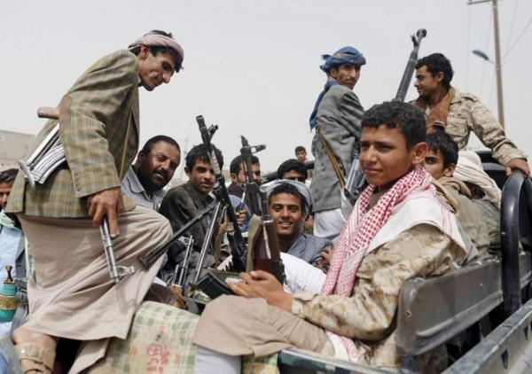 قيادات حوثية تجوب جامعات ومدارس ومساجد إب بحثاً عن مقاتلين وسط رفض واسع