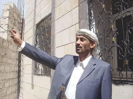 نجاة البرلماني اليمني &#34بن عزيز&#34 من محاولة اغتيال بصنعاء