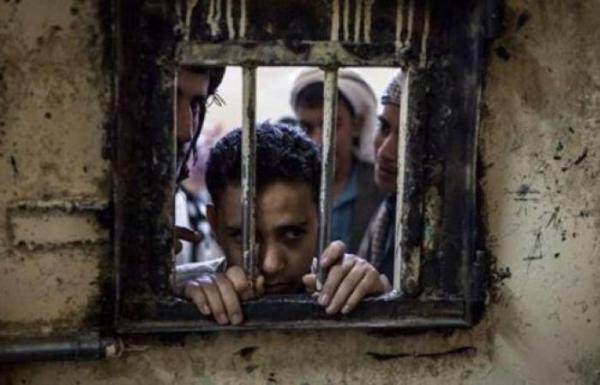 الإرياني يعقب على تقرير وكالة دولية يدين جرائم التعذيب الحوثية