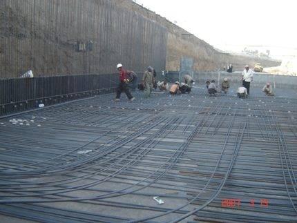 تقرير  جسور وأنفاق اليمن مخالفة للمواصفات العالمية.. وتحذيرات من سلامة جسر «جولة العمري»