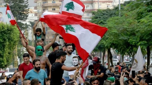 لبنان يؤجل الاستشارات النيابية لاختيار رئيس للحكومة بعد انسحاب الخطيب