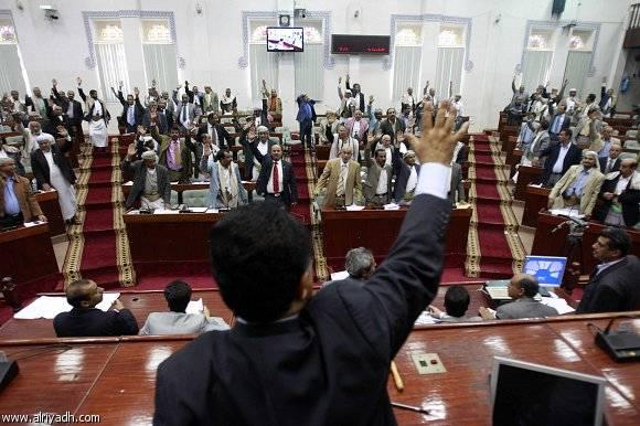 رئيس قانونية البرلمان اليمني: تجميد عضوية النائب القباطي ضمن خيارات المجلس