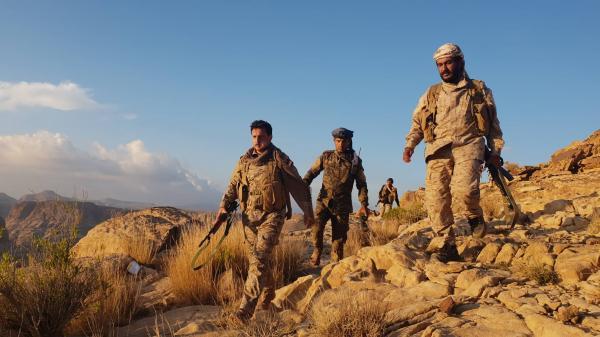 بعملية خاطفة حصدت قيادات حوثية.. القوات الحكومية تصل إلى المجمع الحكومي وسط باقم بصعدة