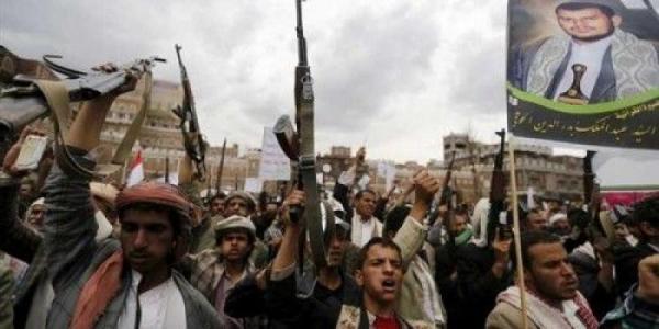 مليشيات الحوثي تداهم قرية القرعى غربي الفاخر وتطالب السكان بسرعة إخلائها