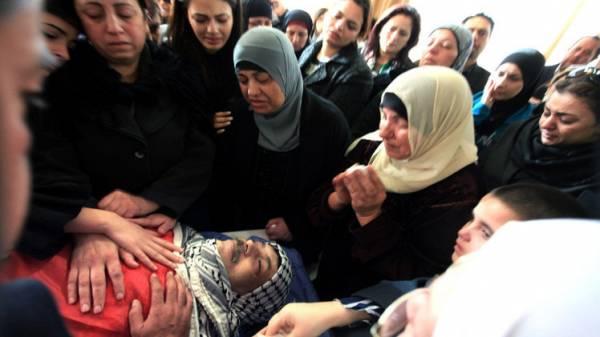 تشييع الوزير الفلسطيني أبو عين بجنازة عسكرية مهيبة