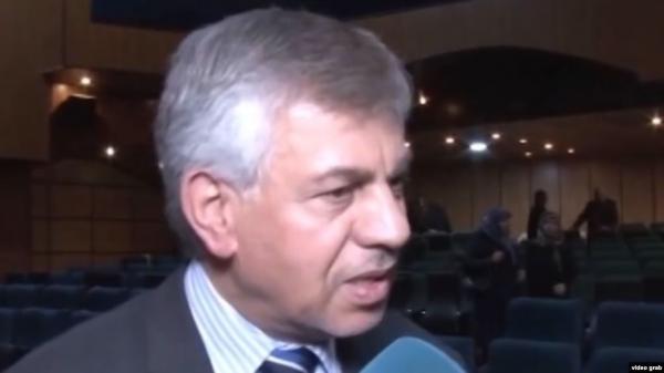 """""""مكثر فستق"""".. ناشطون يسخرون من تصريحات للسفير العراقي في طهران"""