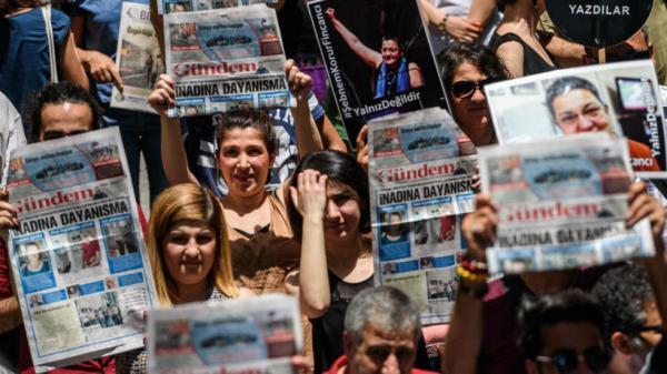 250 صحافيا محتجزا حول العالم والصين وتركيا وإيران تتصدر القائمة
