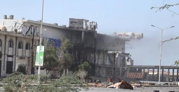 إصابة إمداد ضباط الارتباط بالحديدة برصاص مليشيا الحوثي