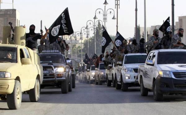 """""""داعش"""" يهدد بقتل 3 جنود لبنانيين محتجزين لديه"""