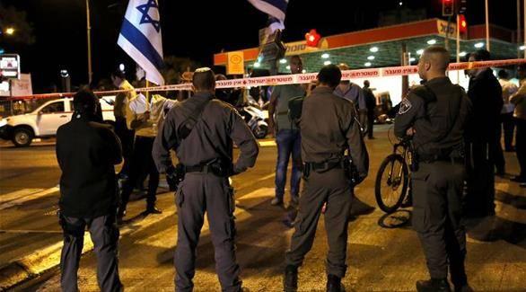 فلسطيني يطعن ضابطين في شرطة الاحتلال الإسرائيلي