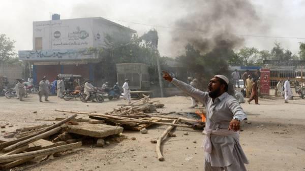 الجيش الباكستاني يقتل 40 مسلحا بغارة في وزيرستان