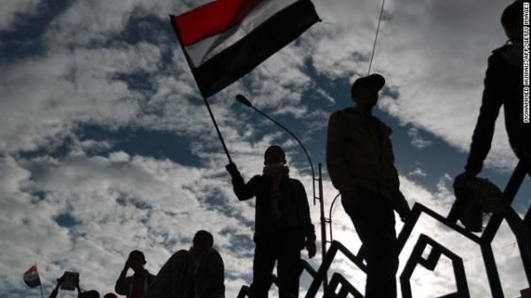 الحـراك يلوّح برفض الدستور اليمني الجديد