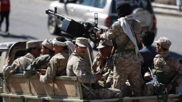 نقل جثامين 5 عسكريين إلى صنعاء استعداداً لدفنهم