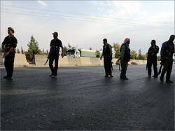 سوريا .. اشتباكات بين الفصائل التي تقاتل للاطاحة بالرئيس الاسد