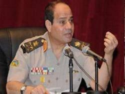 وزير الدفاع المصري يحذر من تحويل الخلاف السياسي الى صراع ديني