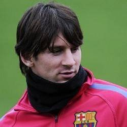 افضل لاعب في العالم يعود للمران مع برشلونه بعد غياب للاصابة
