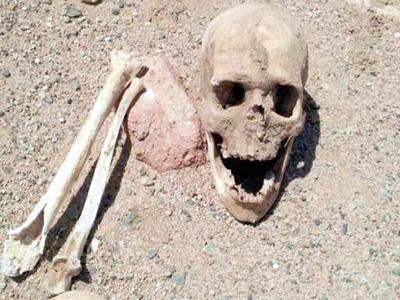 فاجعة.. مواطنون ينبشون قبور الموتى بإحدى مقابر العاصمة صنعاء