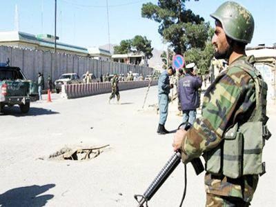 افغانستان.. انتحاري يستهدف قافلة عسكرية قرب مطار كابول