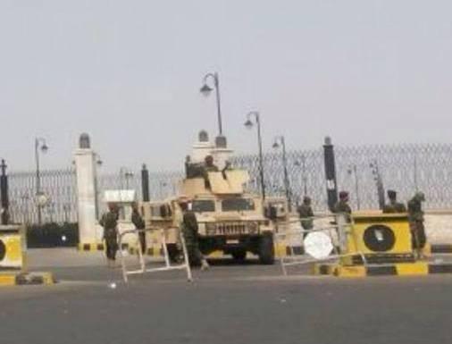 خطـيـــر| قناة يمنية: &#34الأسلحة والمتفجرات التي وُجدت في جامع الصالح&#34.. (صورة)