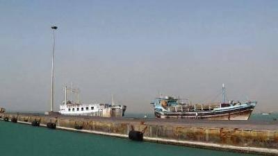 ضبط مهرب أسلحة صربي بميناء المخا